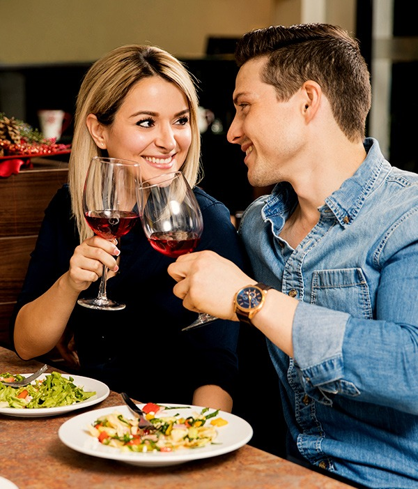 Eating salad on a first date